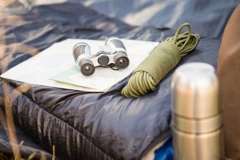 camping-equipment-in-the-nature-PLHN6K6[4]
